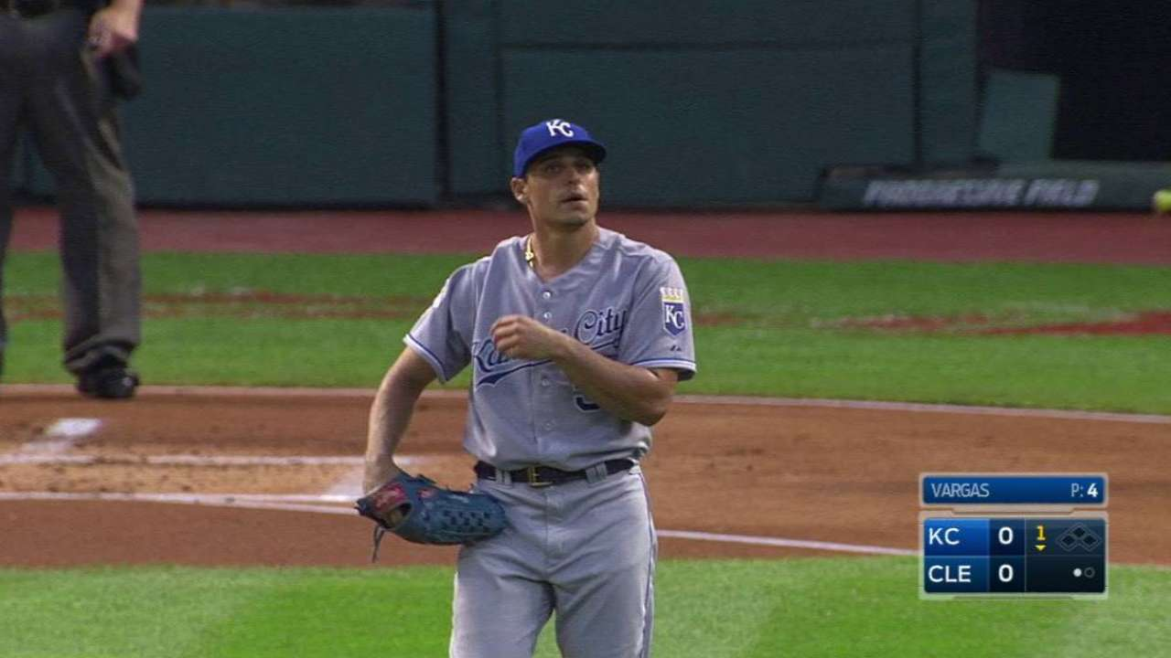 Vargas retires 10 in a row to close solid outing