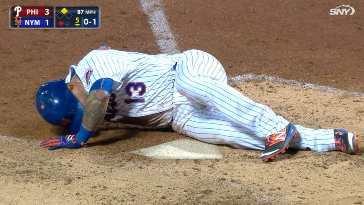 Cabrera fouls pitch off his knee