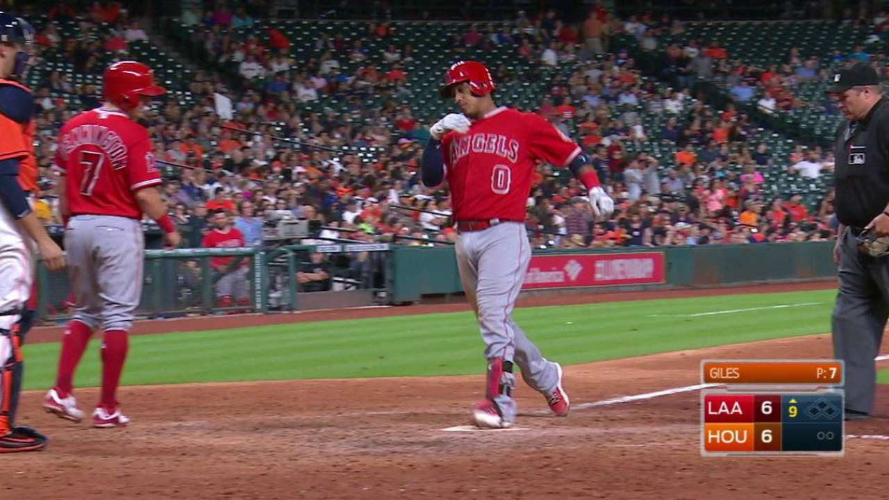 Escobar's game-tying home run