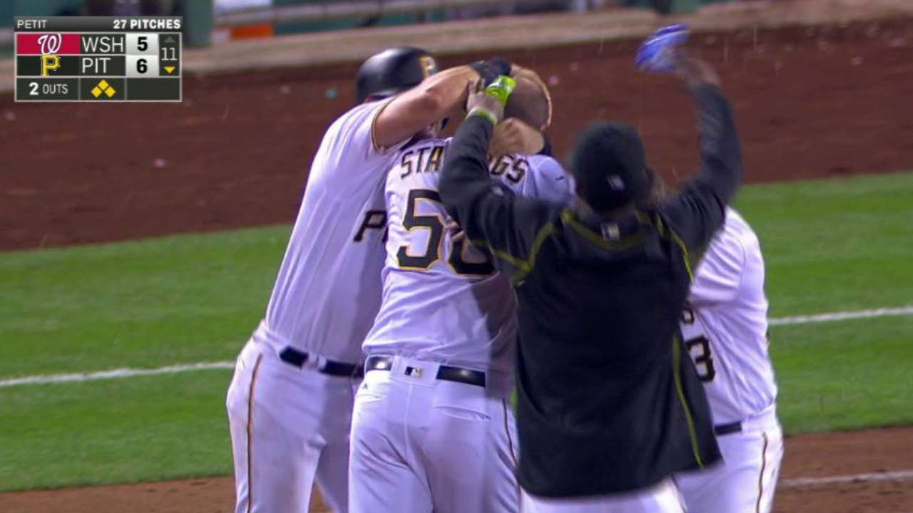 Pirates delay Nats' party with walk-off in 11
