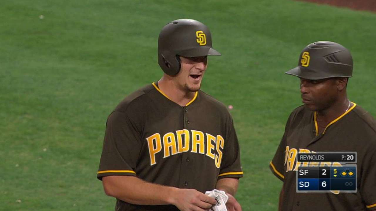 Padres pull away, drop Giants behind Mets