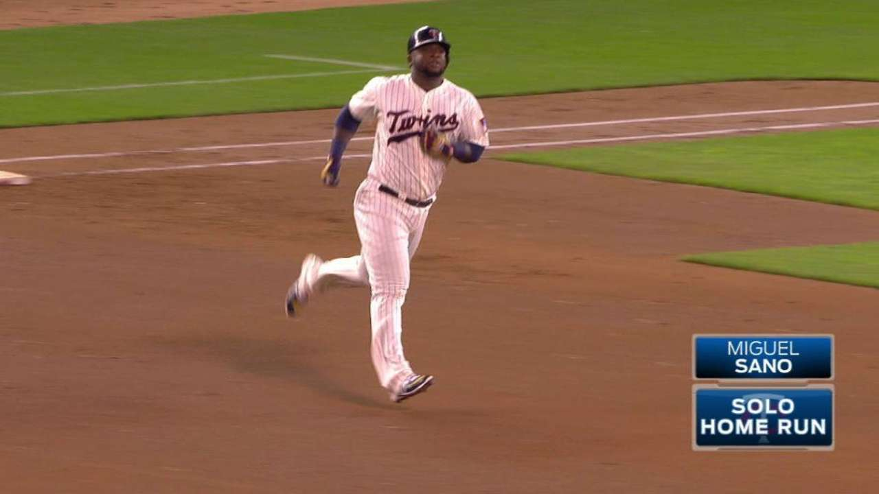 Twins snap skid, slow Seattle's Wild Card chase