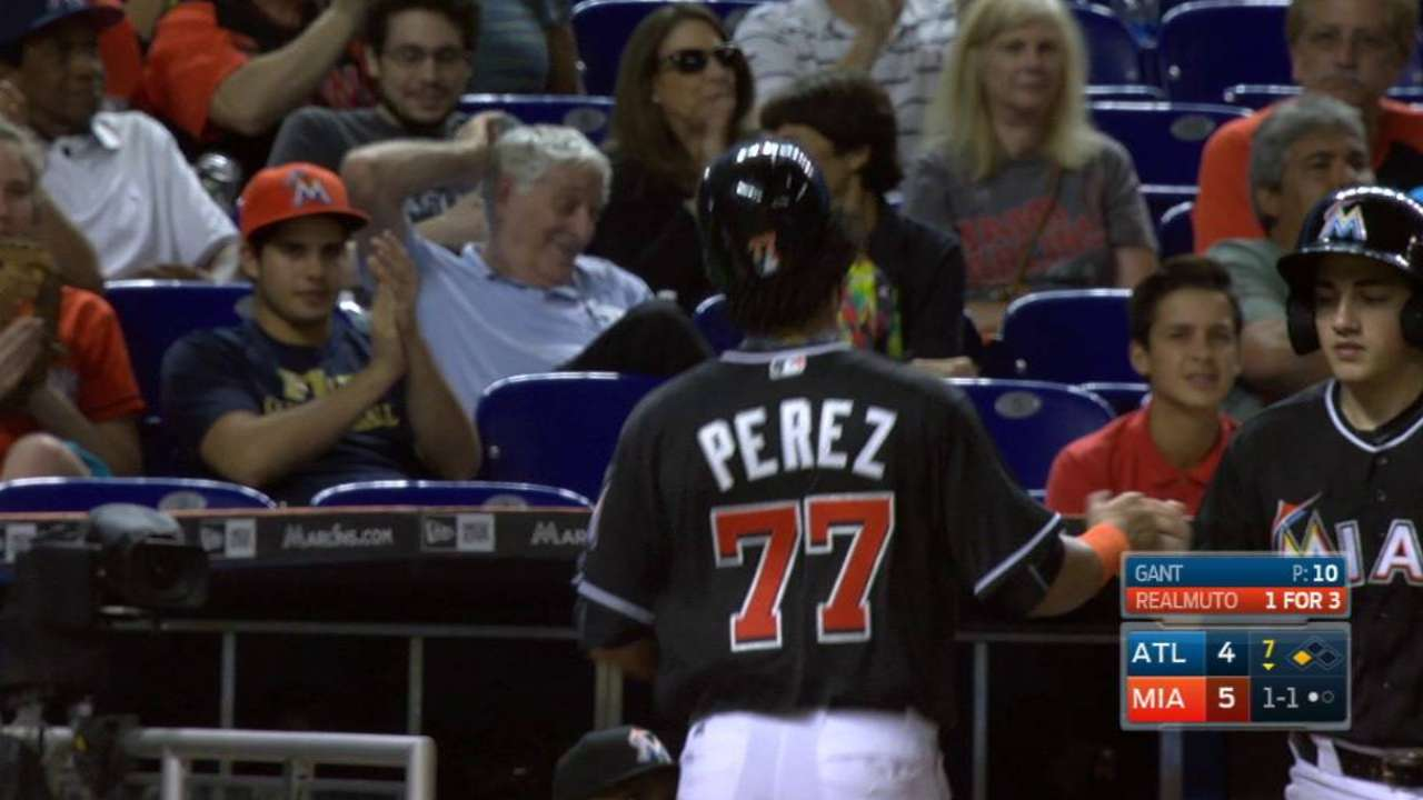 Marlins score on Braves miscue