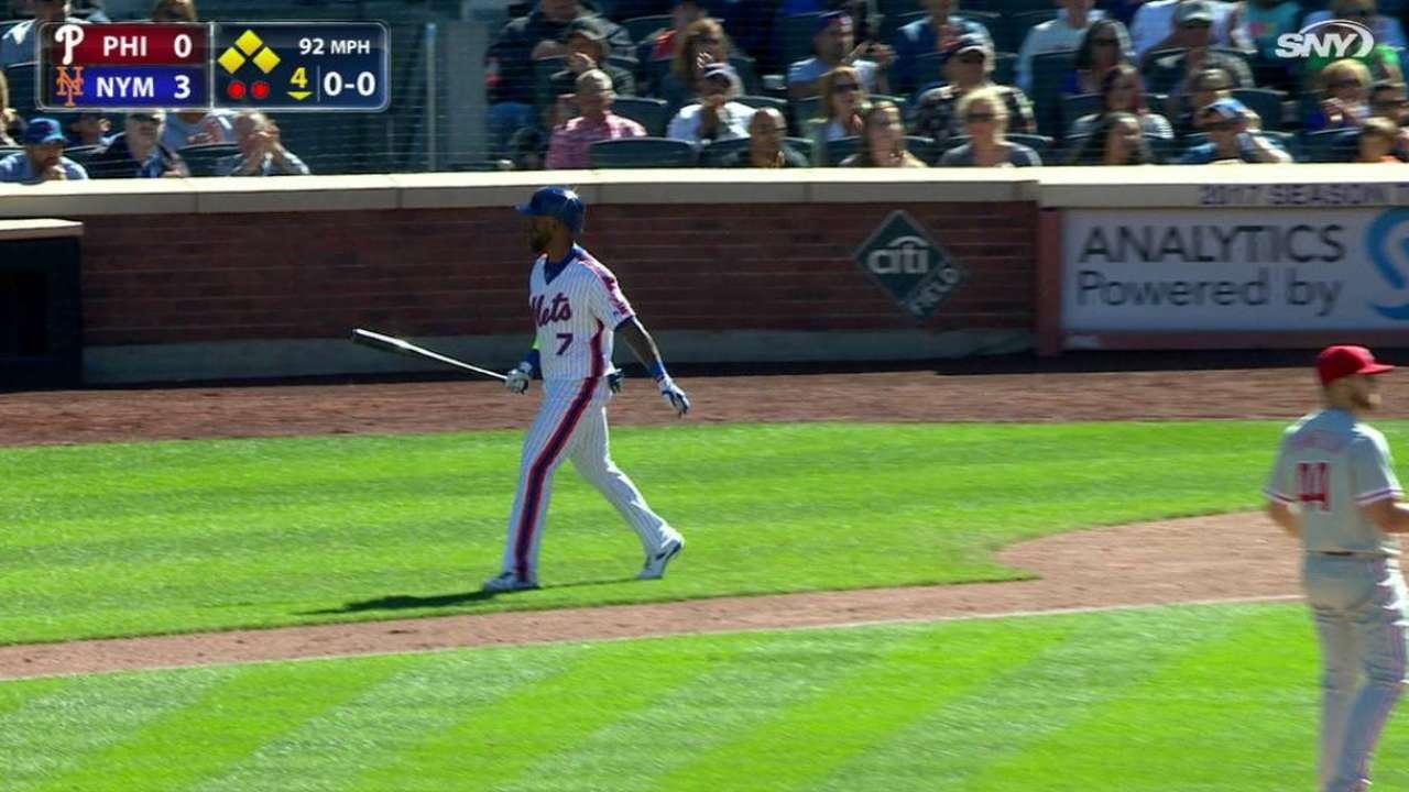 Reyes' bases-loaded walk