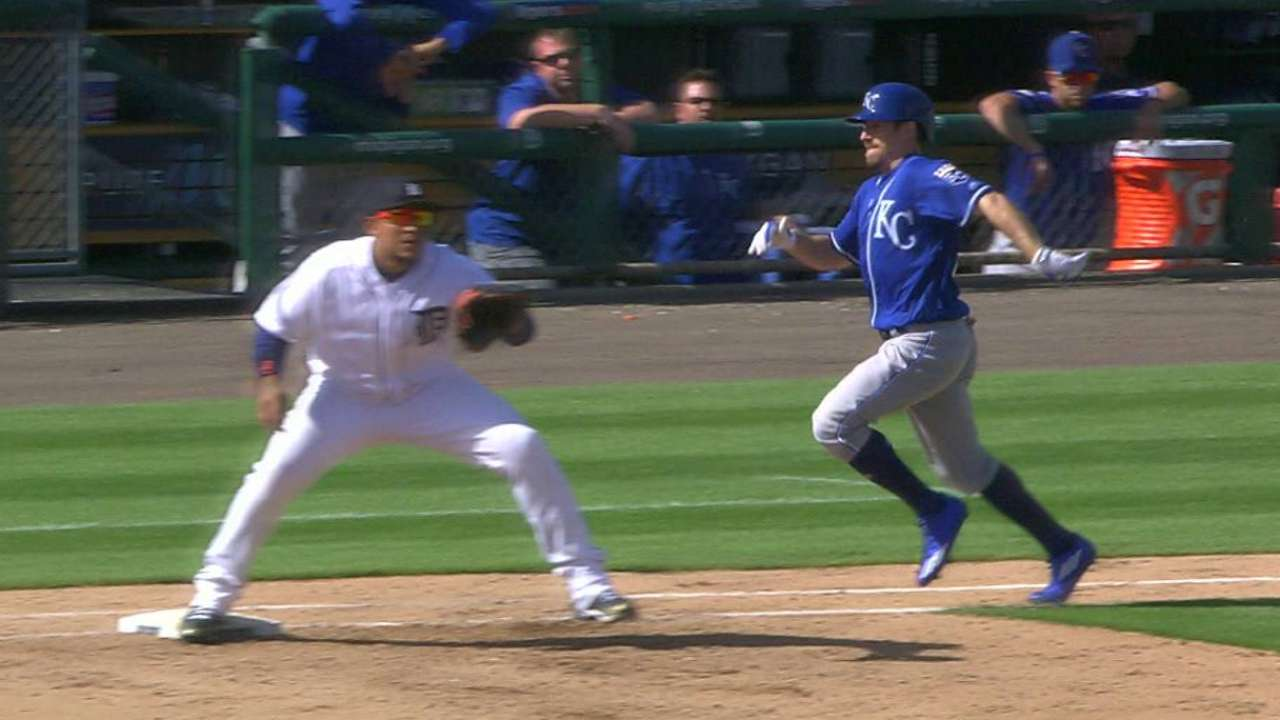 Royals challenge the double play