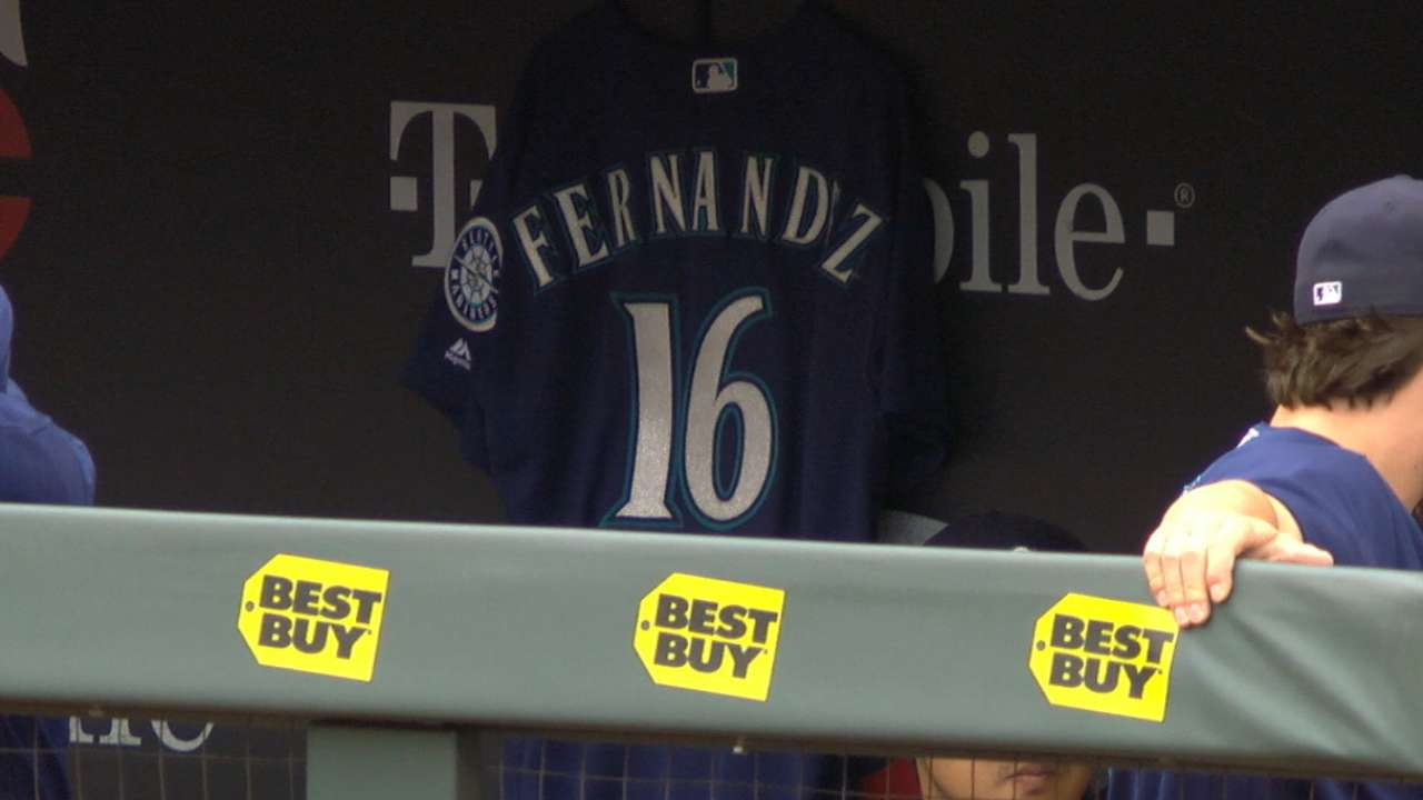 Mariners' booth on Fernandez