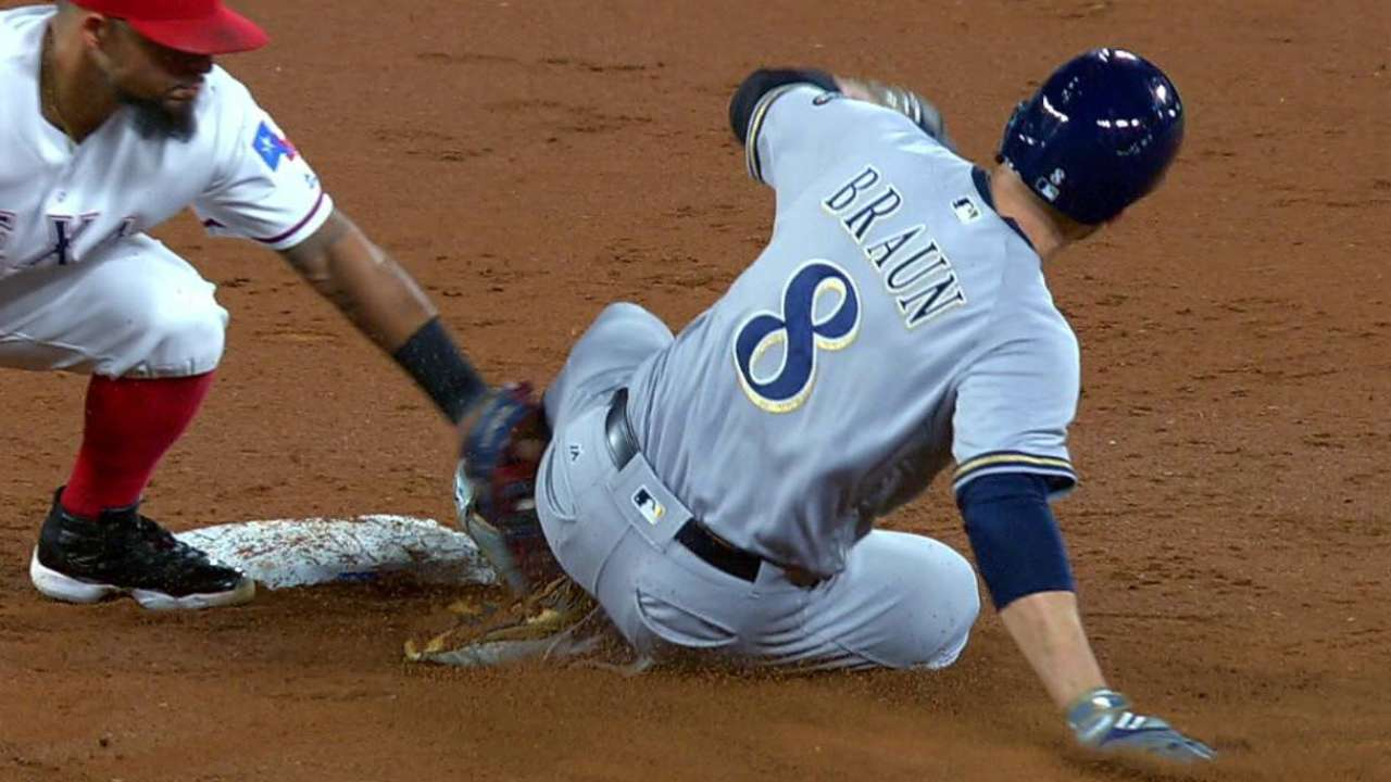 Lucroy throws out Braun