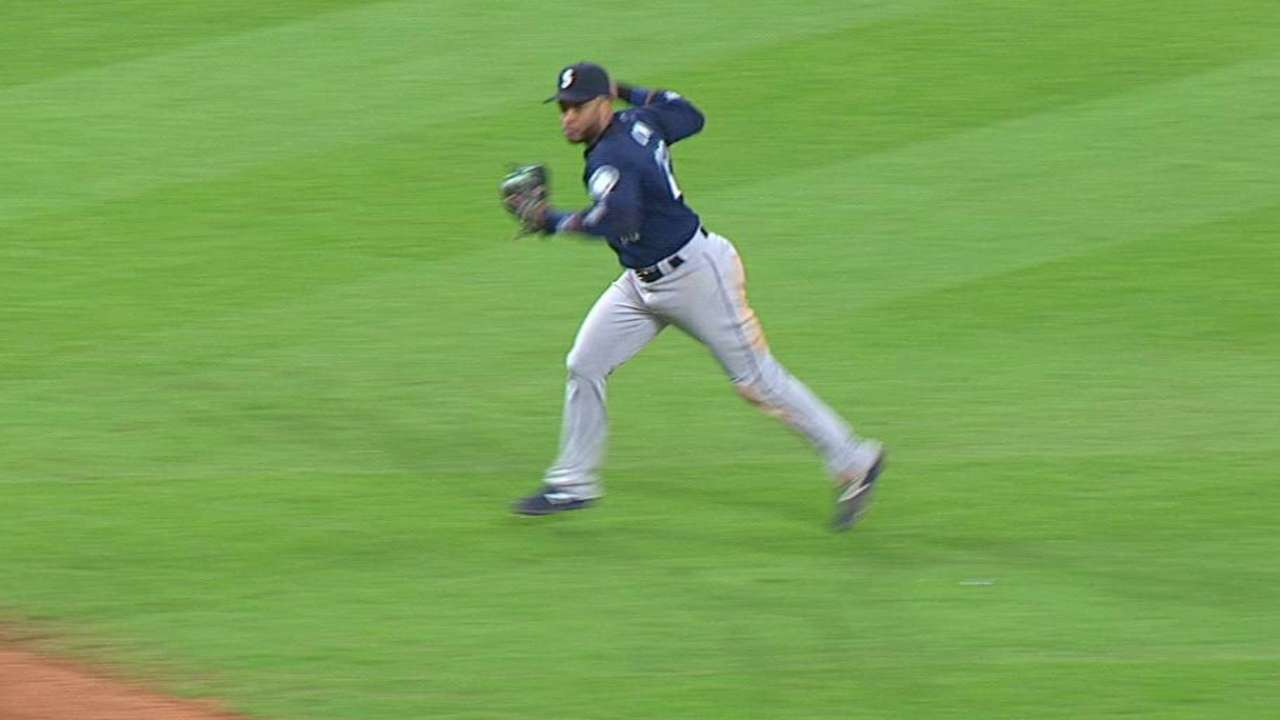 Cano's smooth play at second