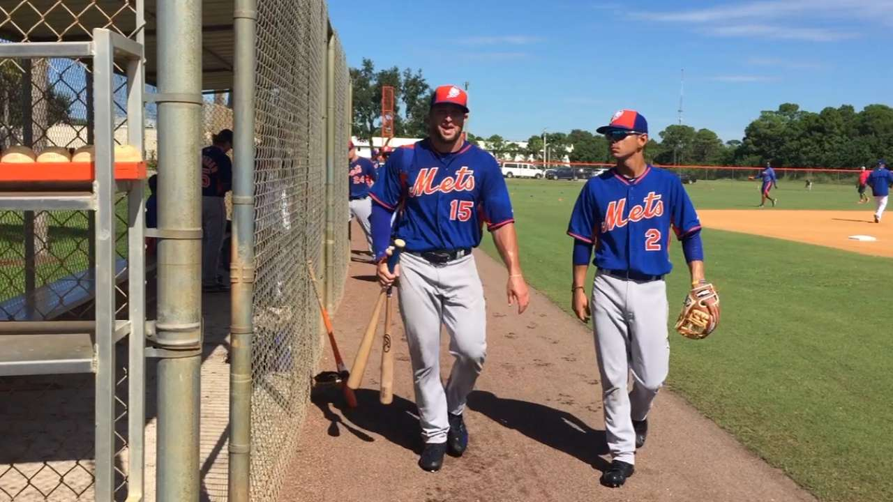 Two hits, diving catch highlight Tebow's return to camp
