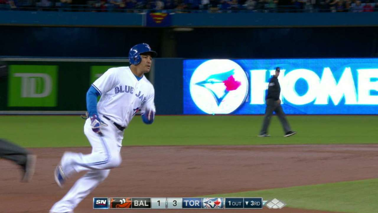 Carrera's opposite-field homer