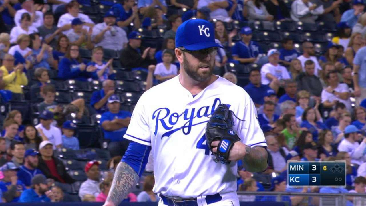 Moylan back with Royals on Minor League deal