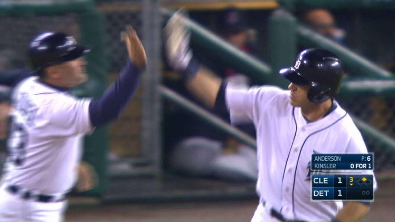 Kinsler's two-run homer