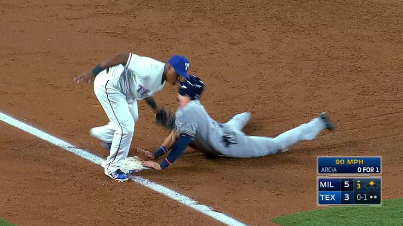 Lucroy catches Perez stealing