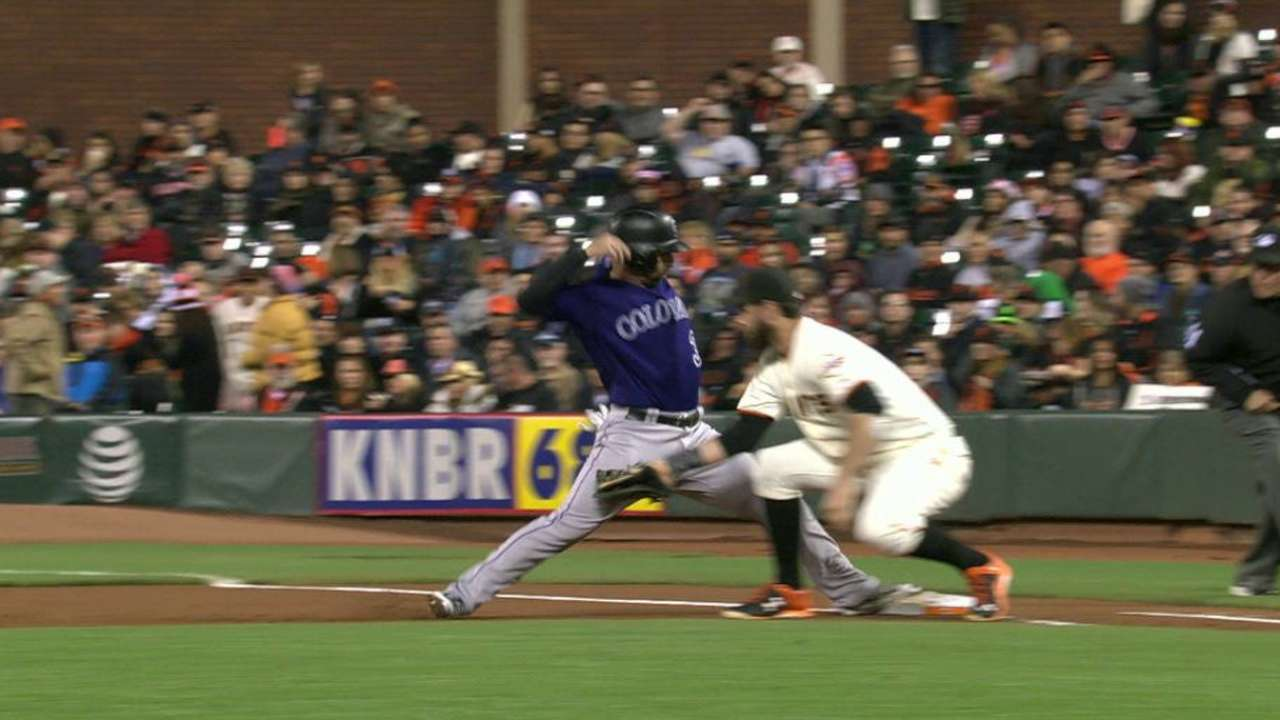Cueto picks off Descalso