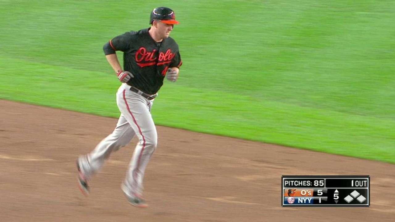 Trumbo's two-run home run