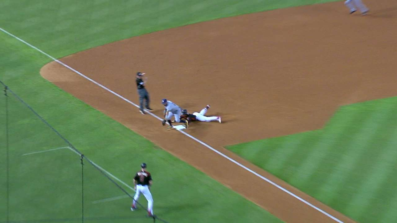 D-backs pull two double steals