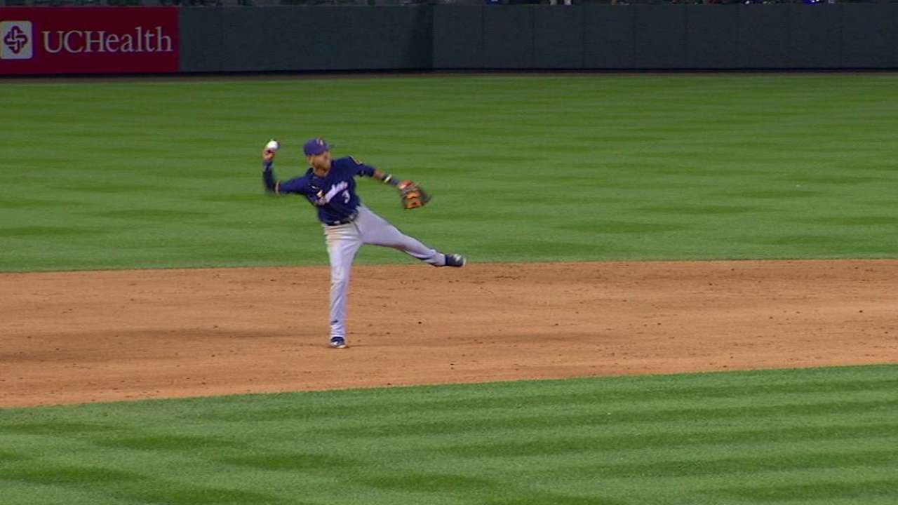Arcia shows off reflexes
