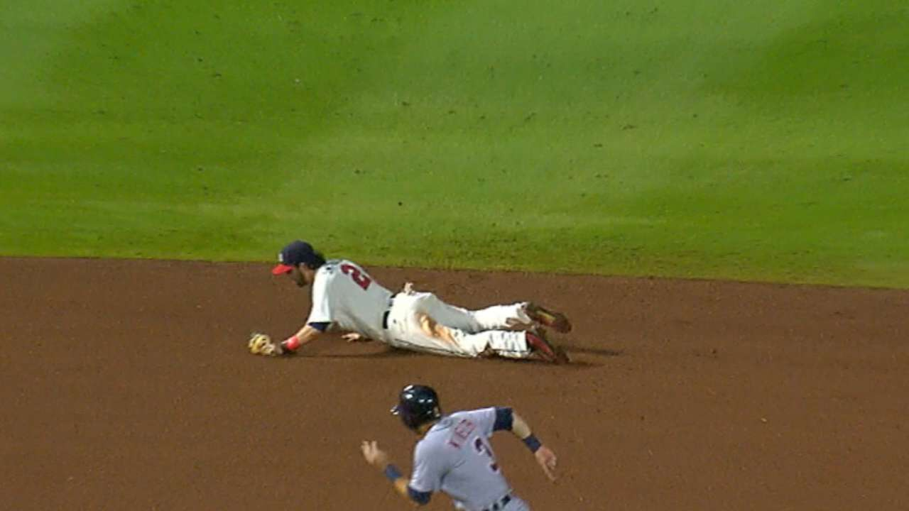 Swanson's spectacular play saves Braves