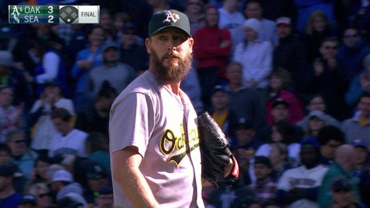 Axford throws extended 'pen at full strength