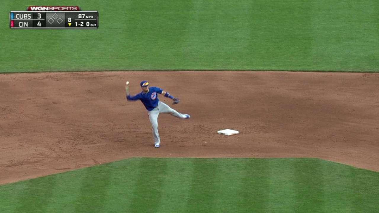 Baez's barehanded play