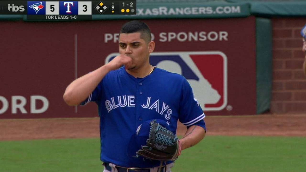Osuna nails down the save