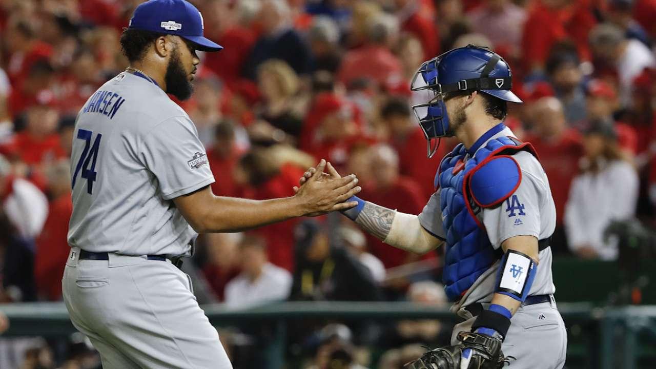 Sarah's Take: Roberts motivates Dodgers through adversity