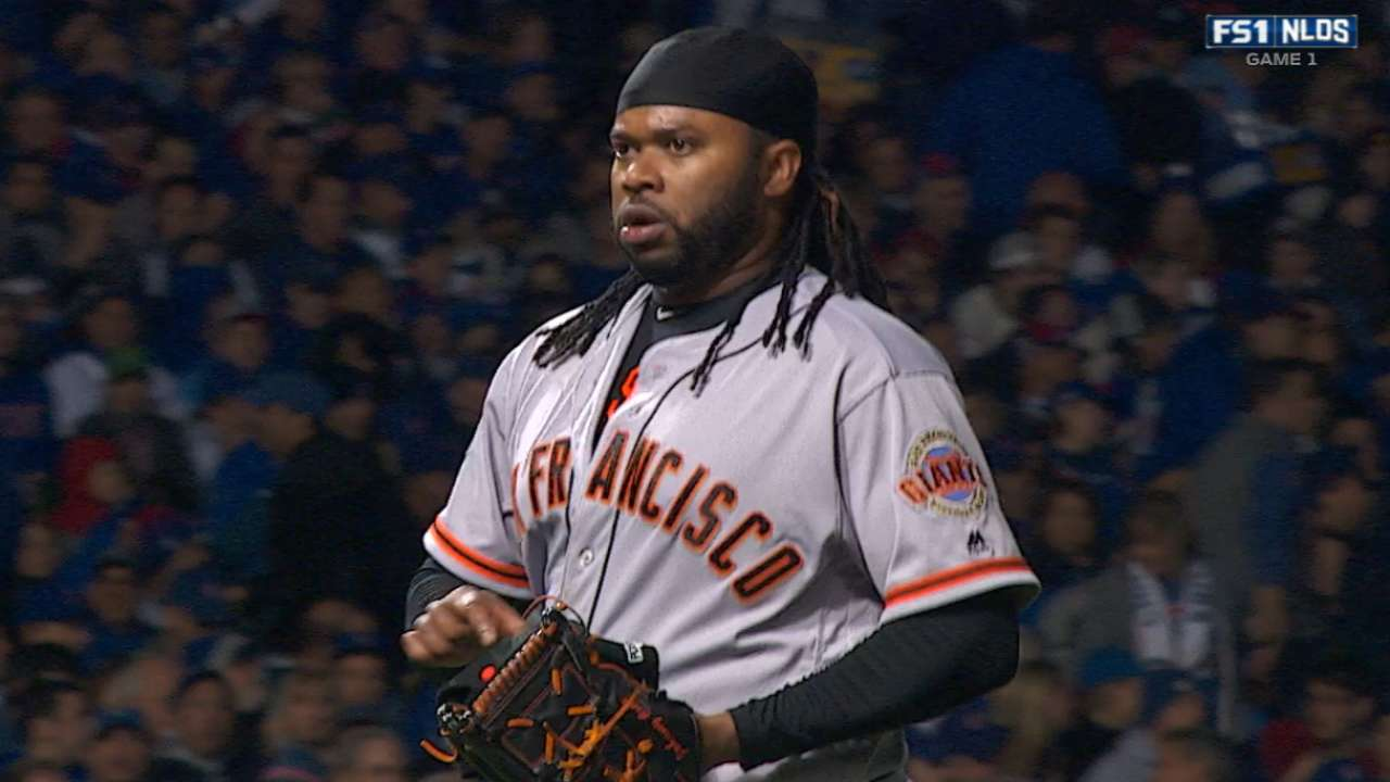 Cueto holds Cubs to one run