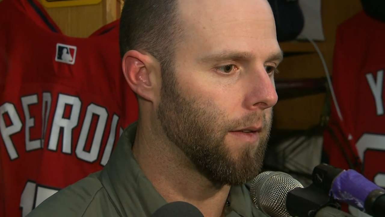 Pedroia undergoes successful knee surgery