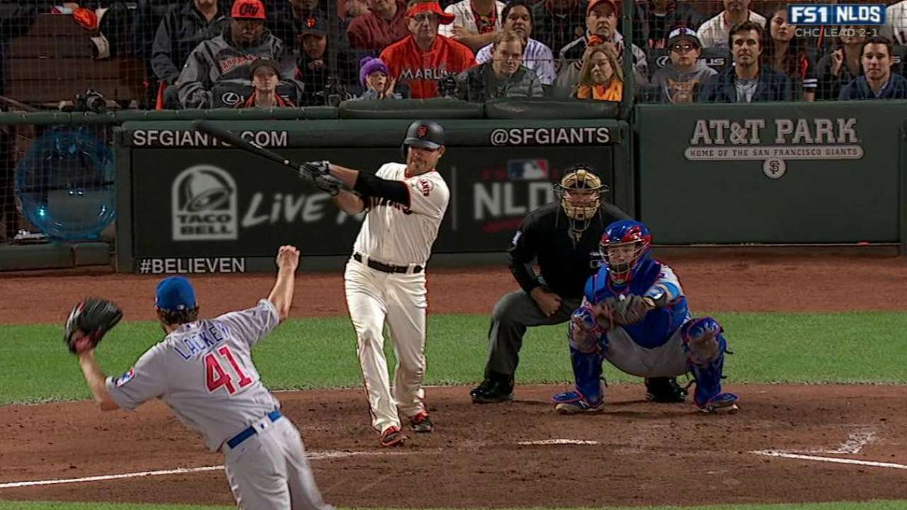 Moore's RBI single ignites Giants' rally
