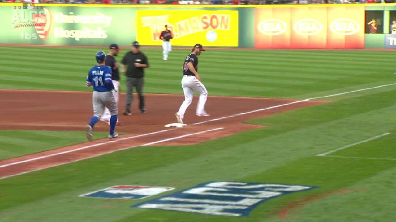 Tomlin hustles to get out