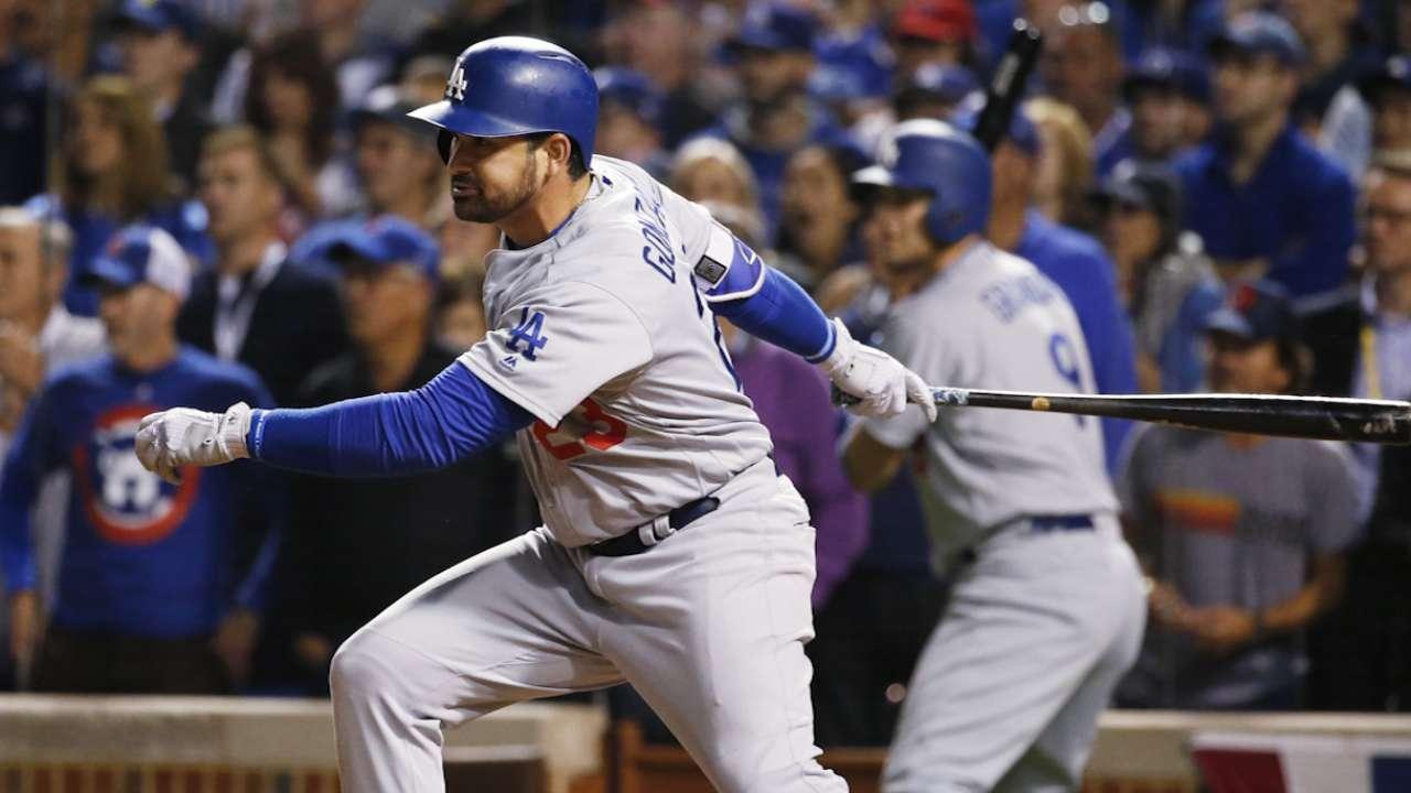 Roberts on Gonzalez's big hit