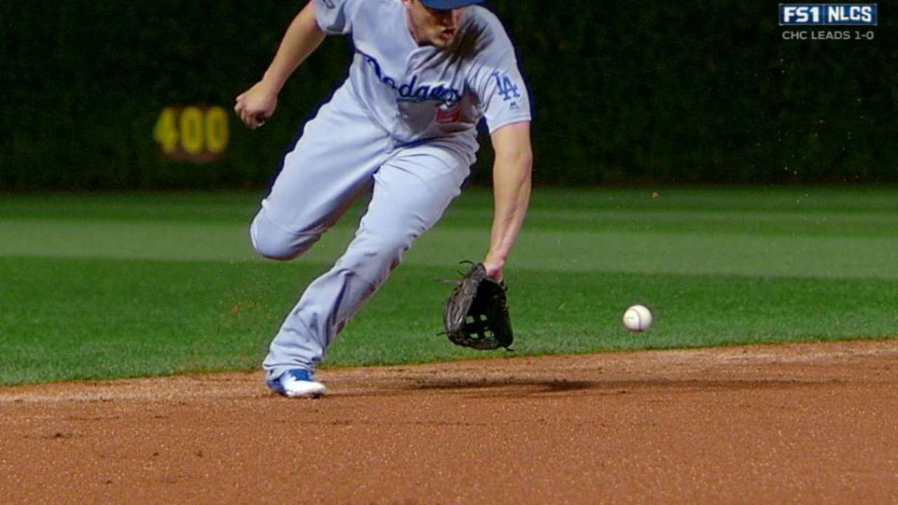 Seager's long throw gets Russell