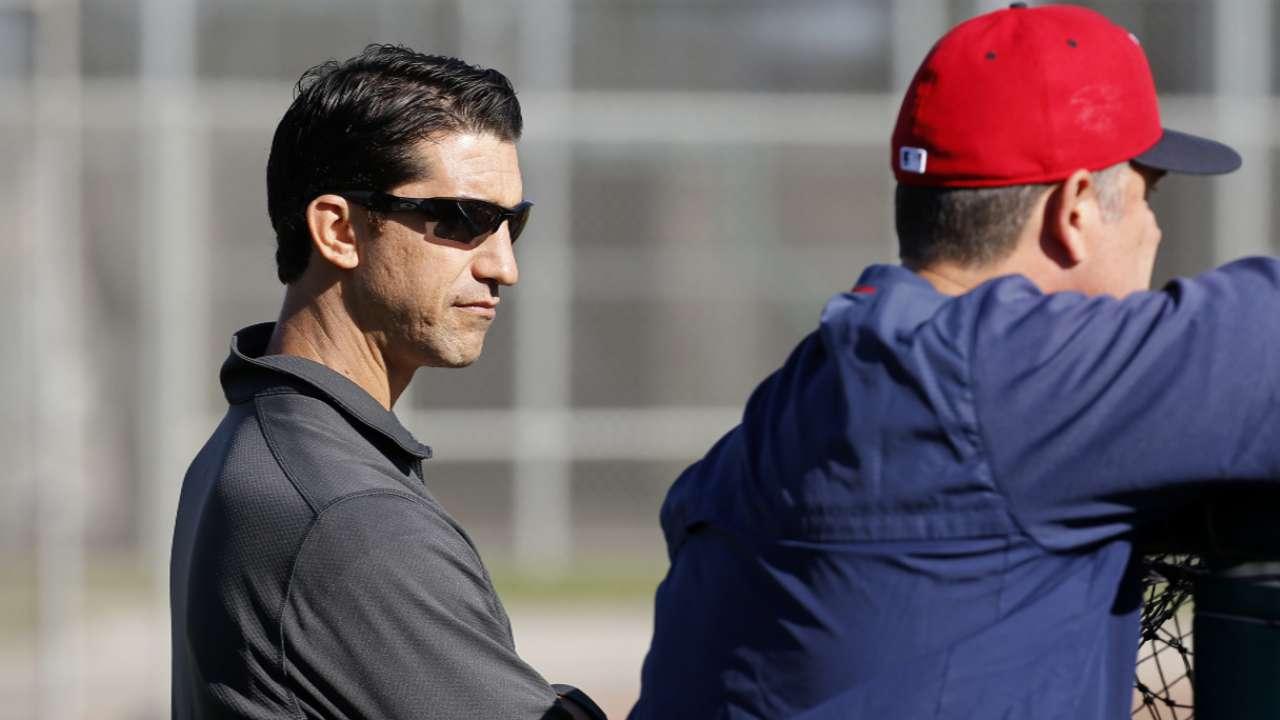 D-backs name former Boston exec Hazen GM