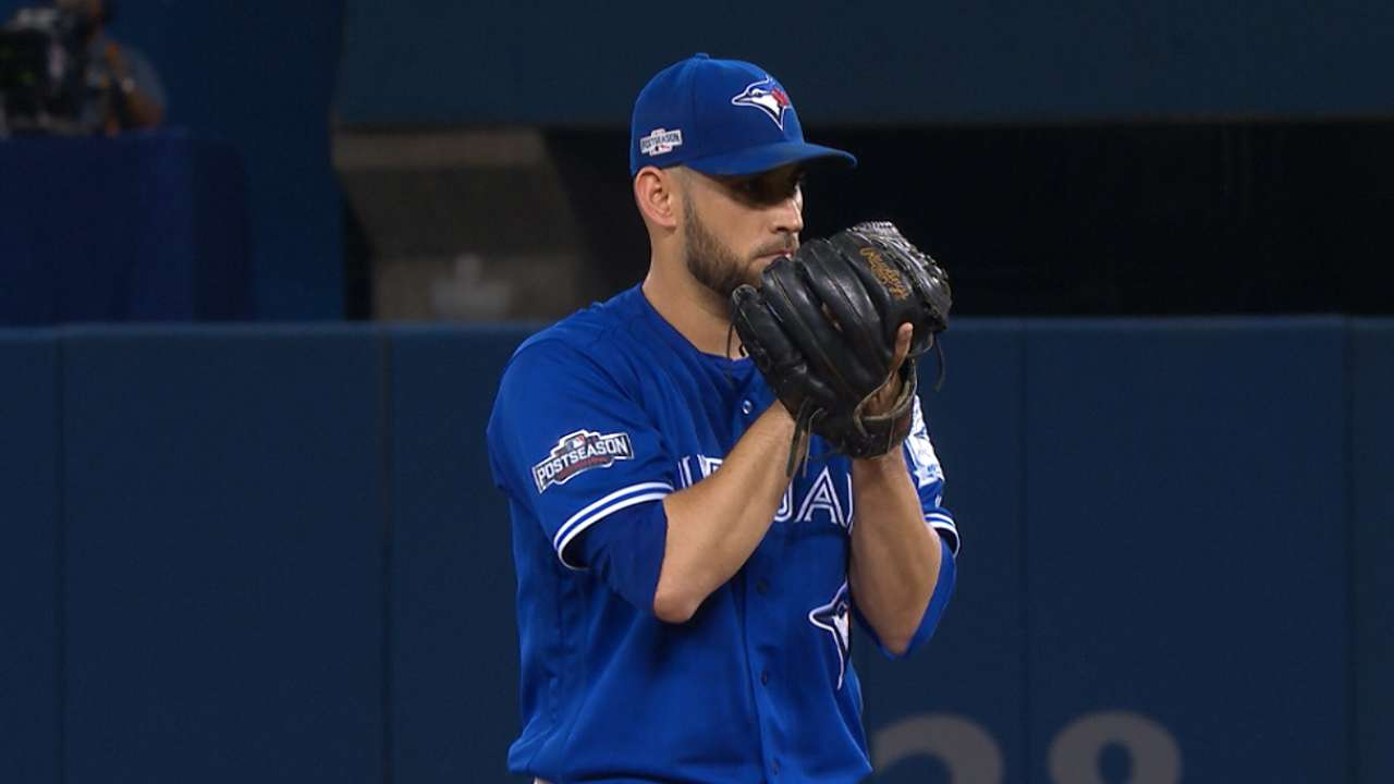 Entering with high hopes, Estrada just solid for 6