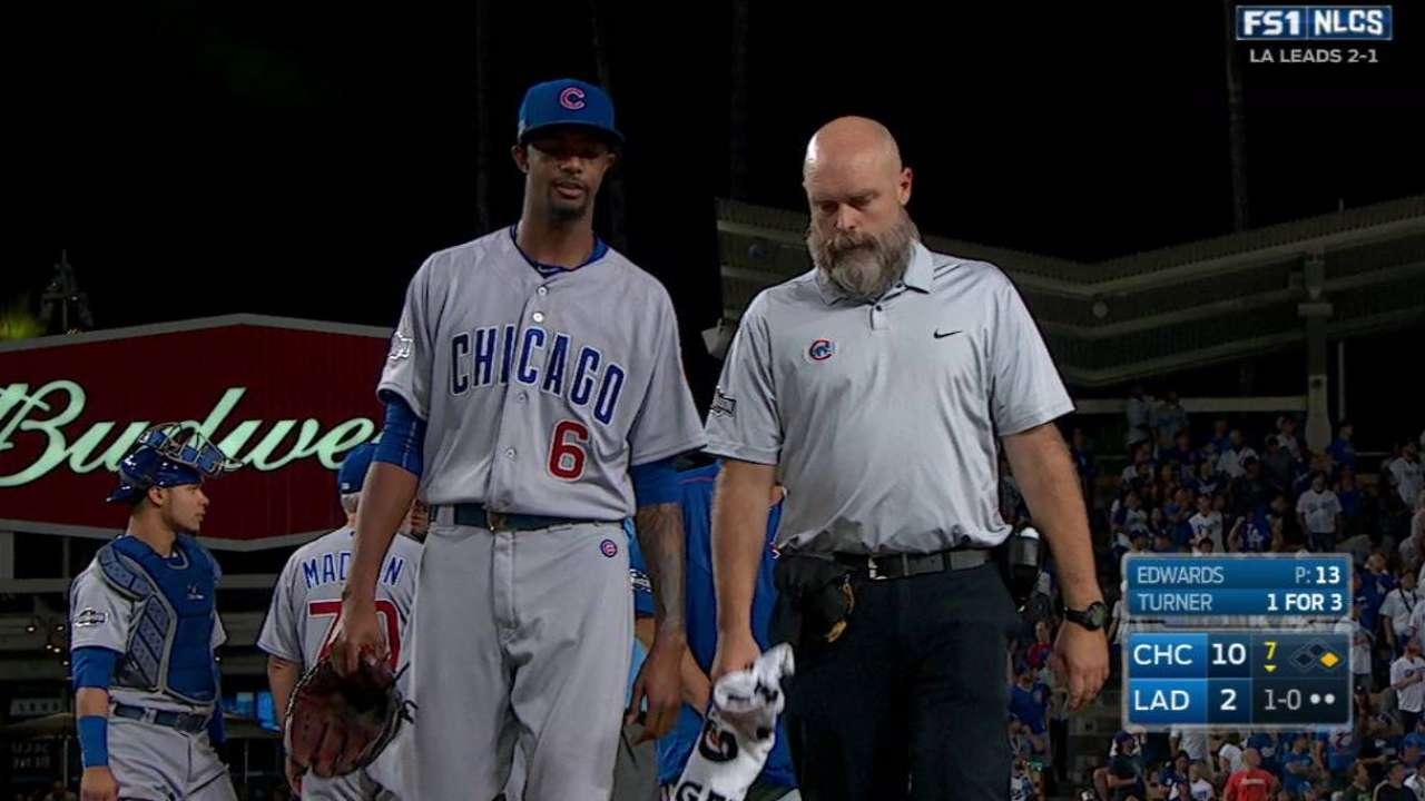 Edwards shaken up, exits game