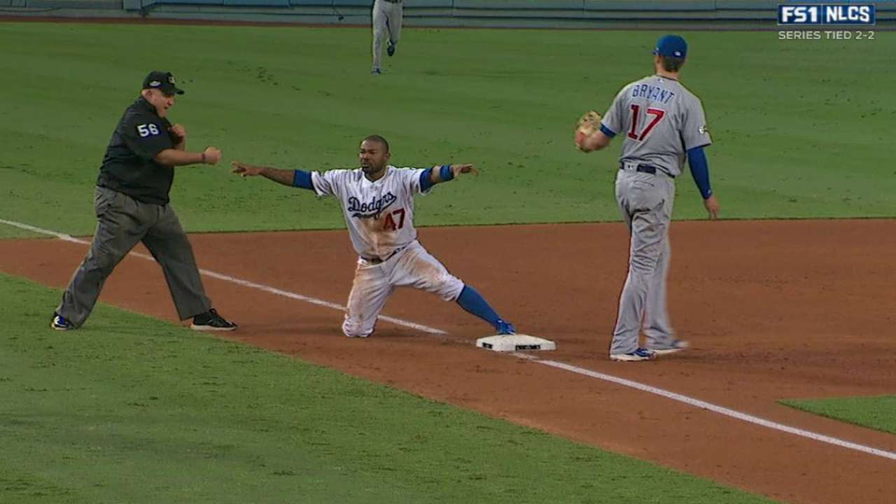 Kendrick steals third
