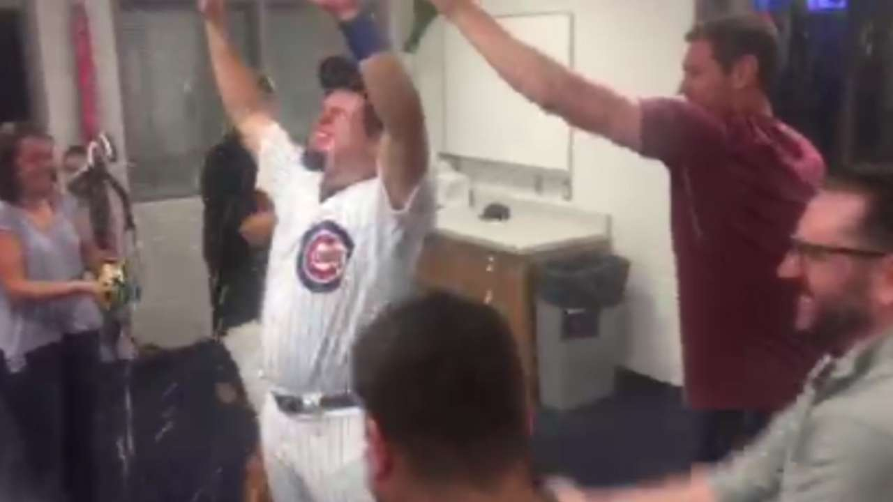 Schwarber celebrates Cubs' win