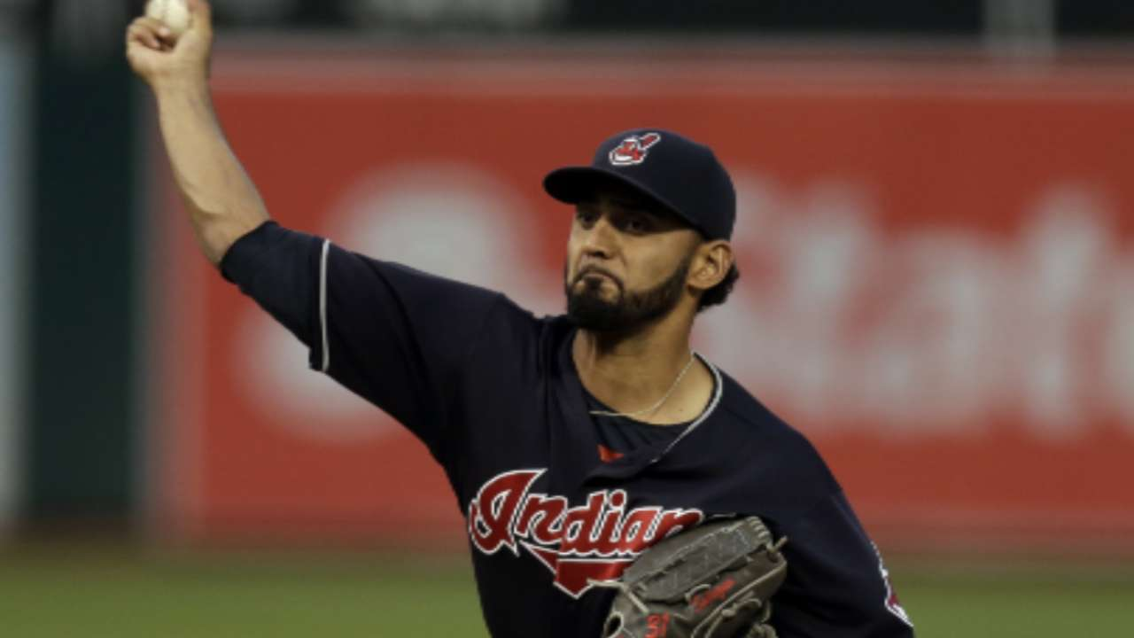 Salazar throws sim game, could pitch in Series