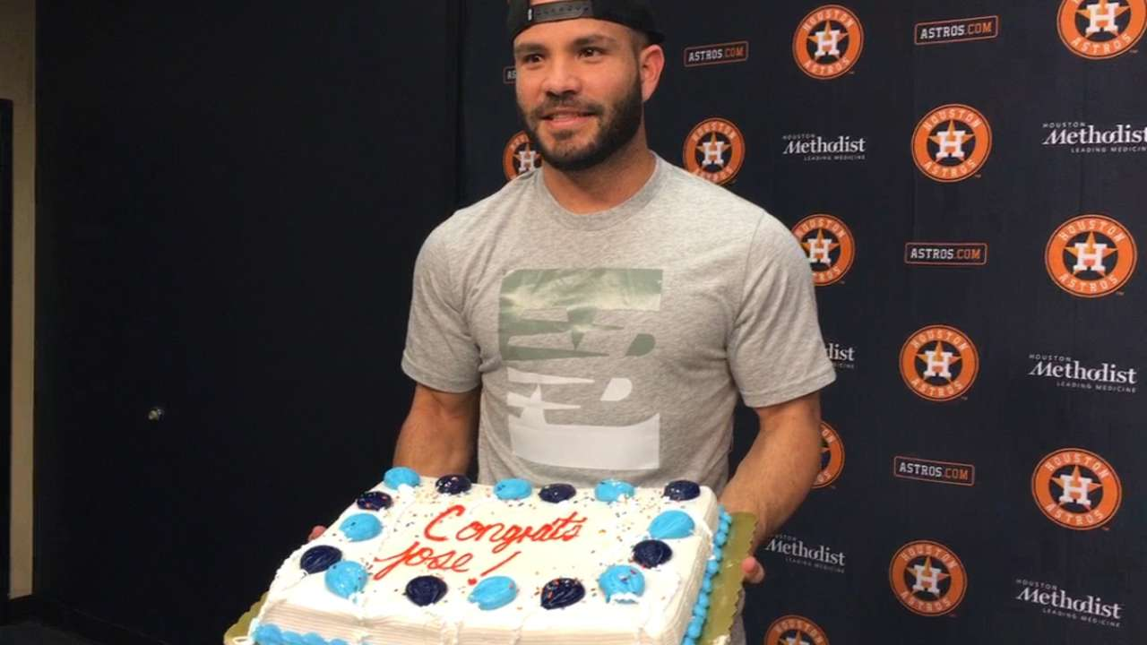 Altuve wins Sporting News' MLB Player of the Year
