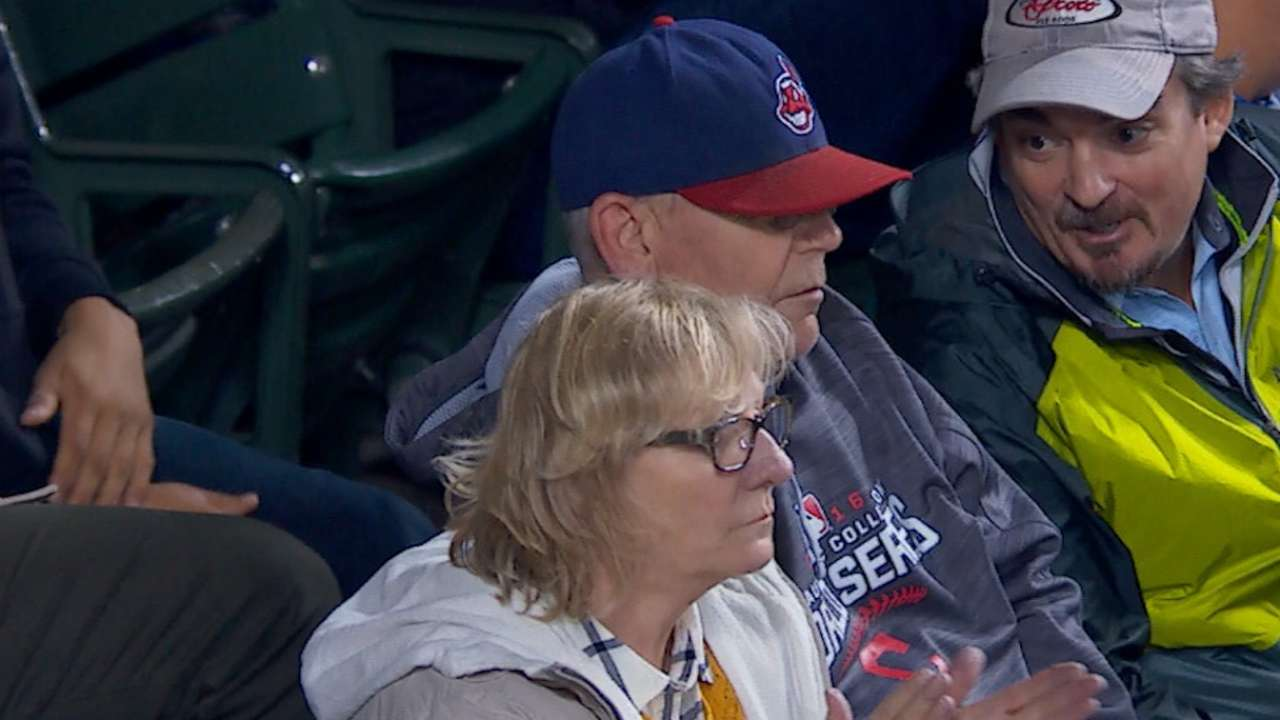 As Dad cheers, Tribe's Tomlin terrific