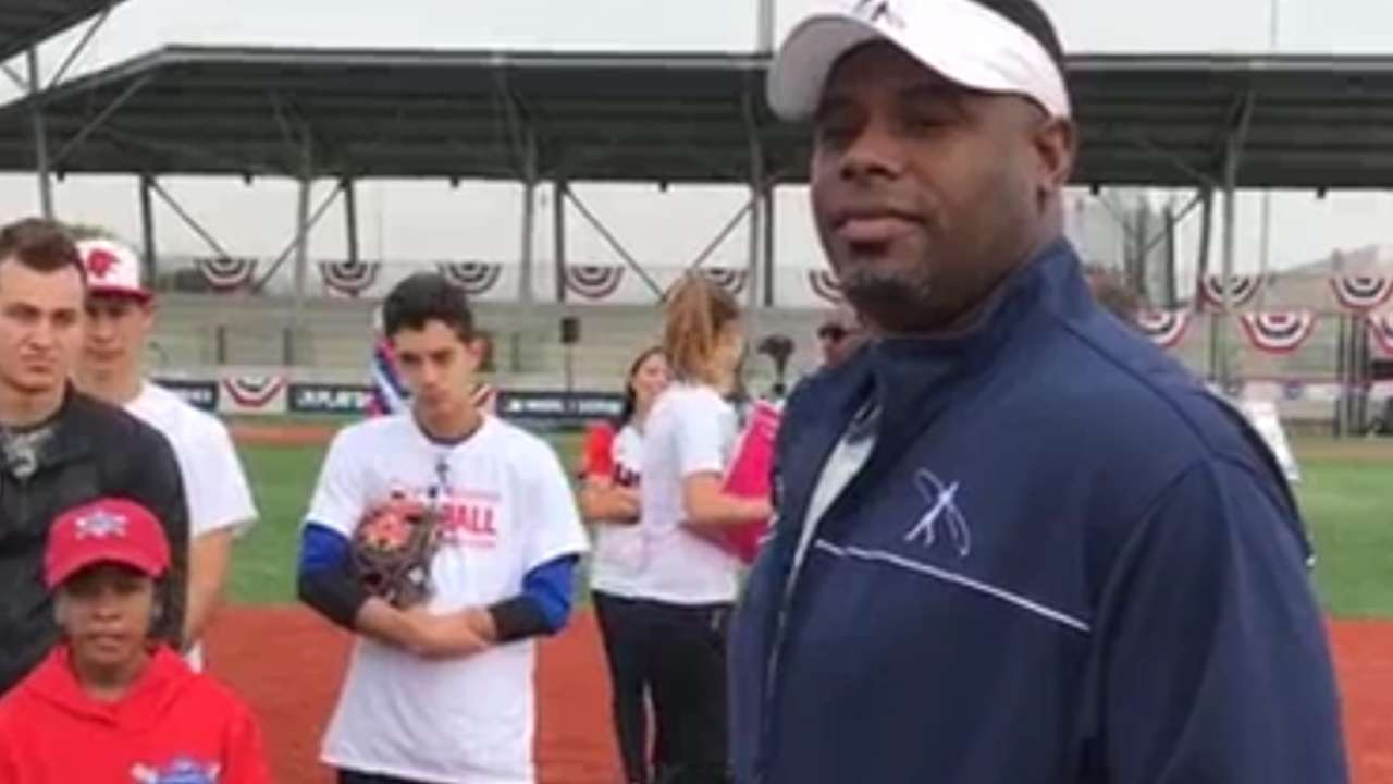 Ken Griffey Jr. chats with kids
