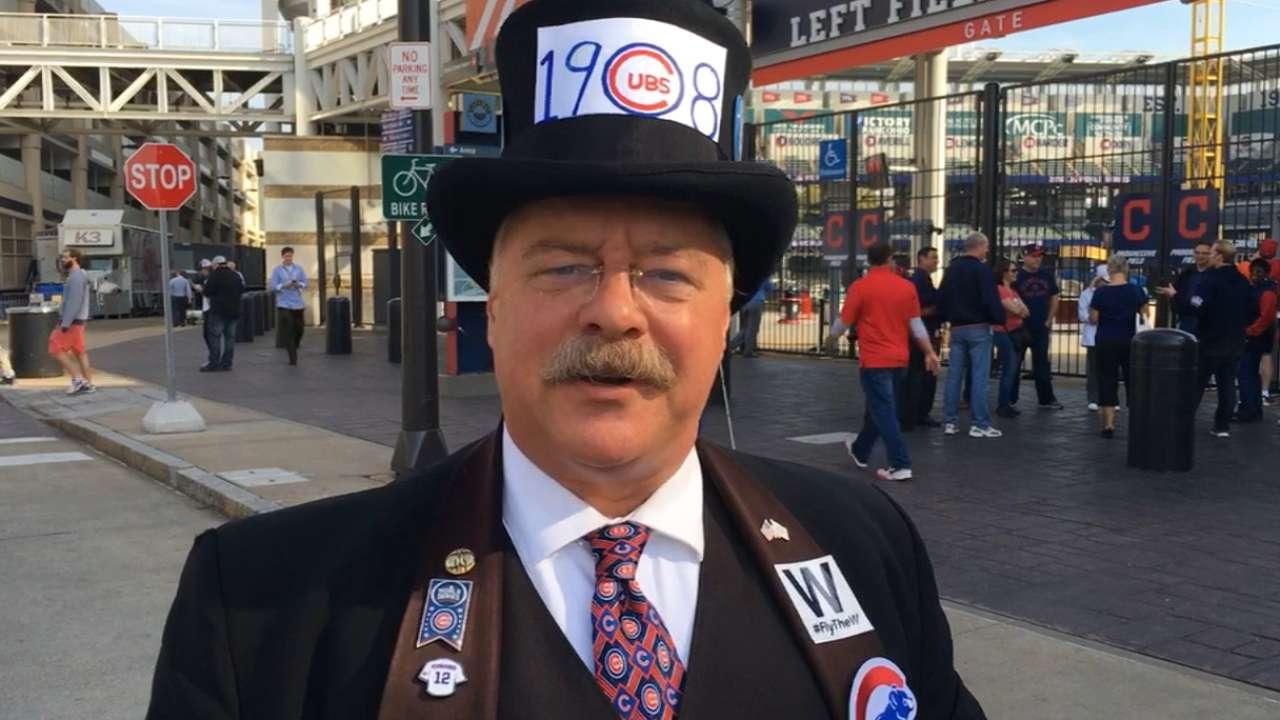 Cubs fan 'Teddy' ready for Gm 6
