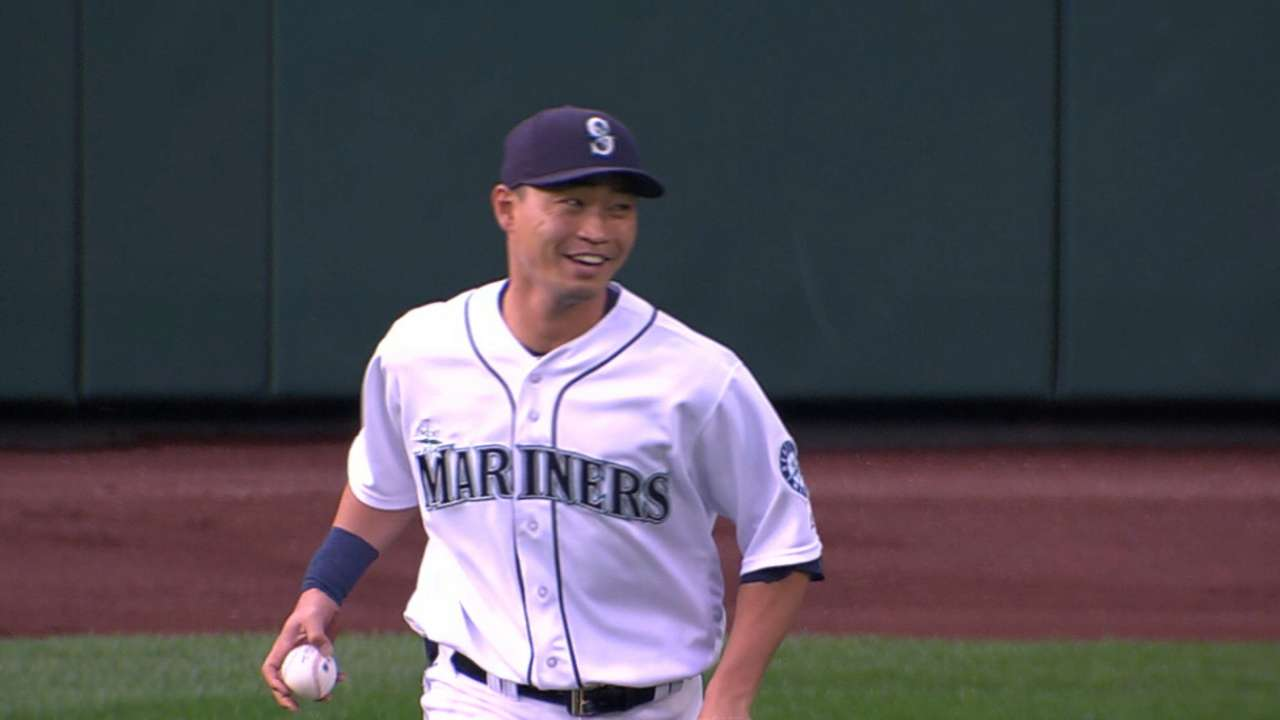 Astros claim Aoki off waivers from Mariners