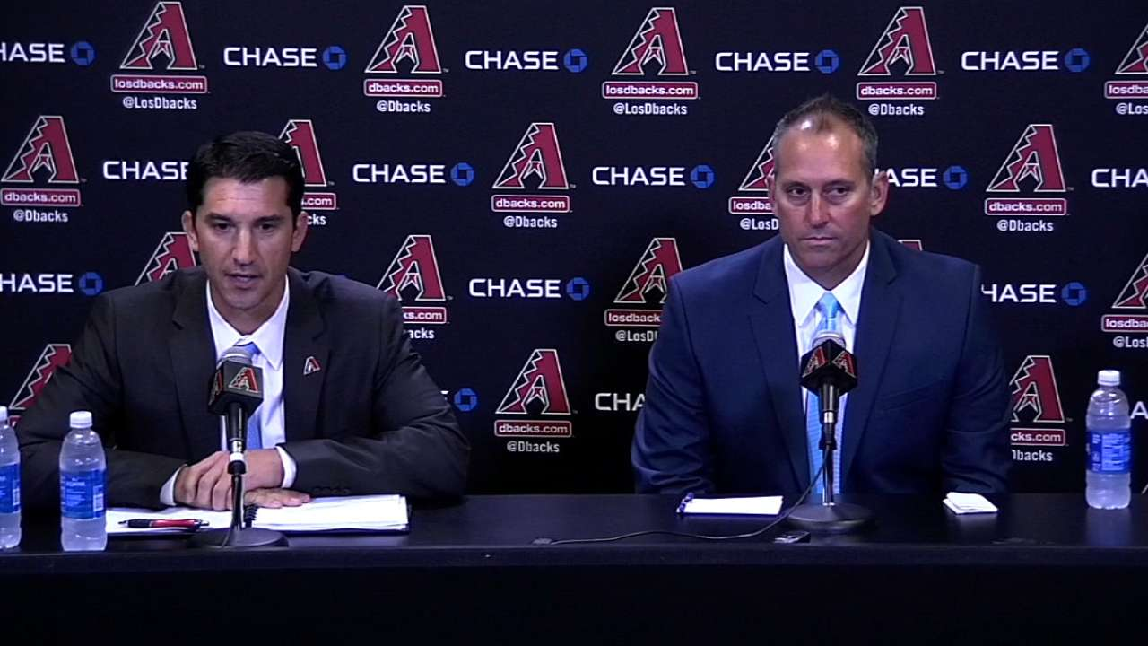 D-backs introduce Lovullo as new manager