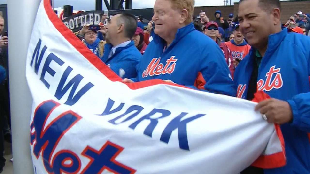 Mets raise 2015 NL title banner before opener