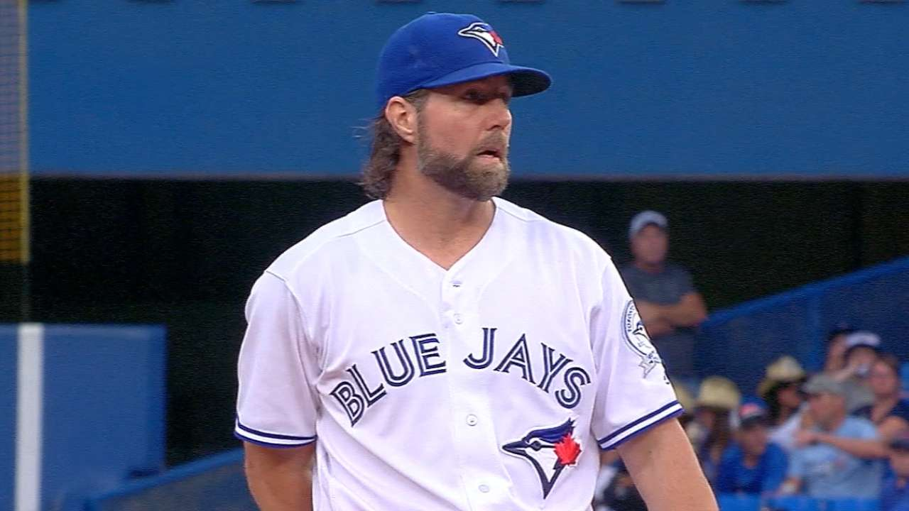 Dickey living the dream of playing for Braves