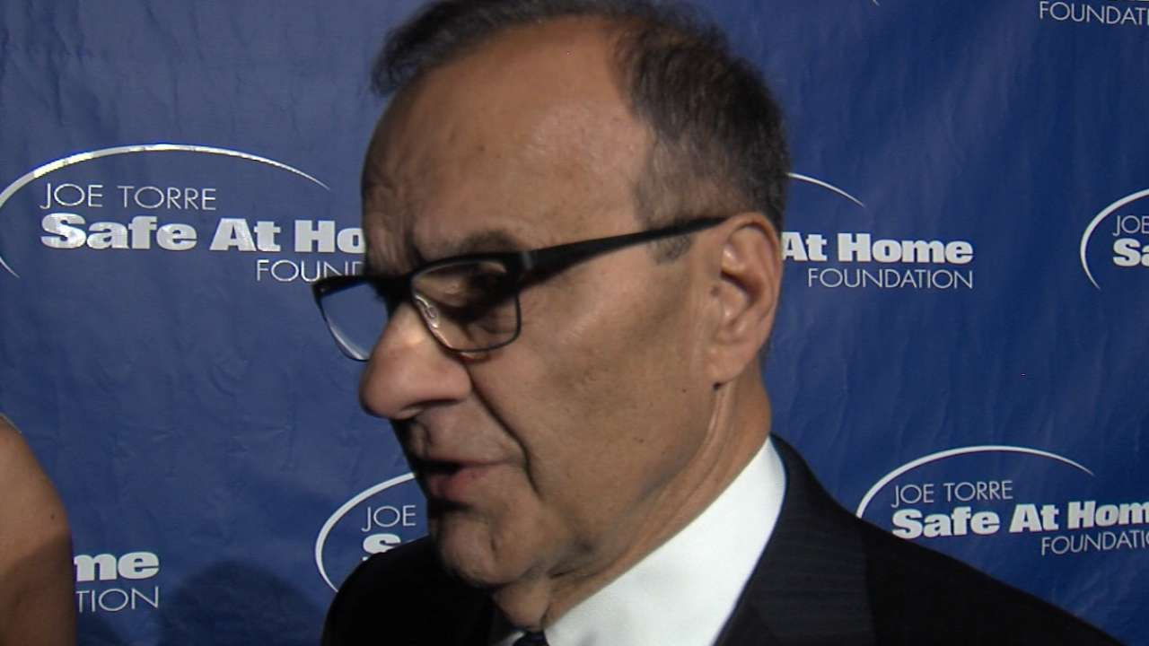 Torre honors Manfred