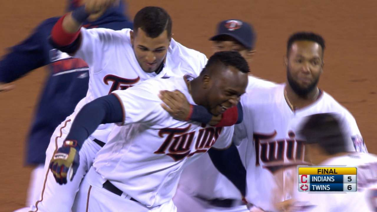 Twins edge Tribe with 2nd straight walk-off