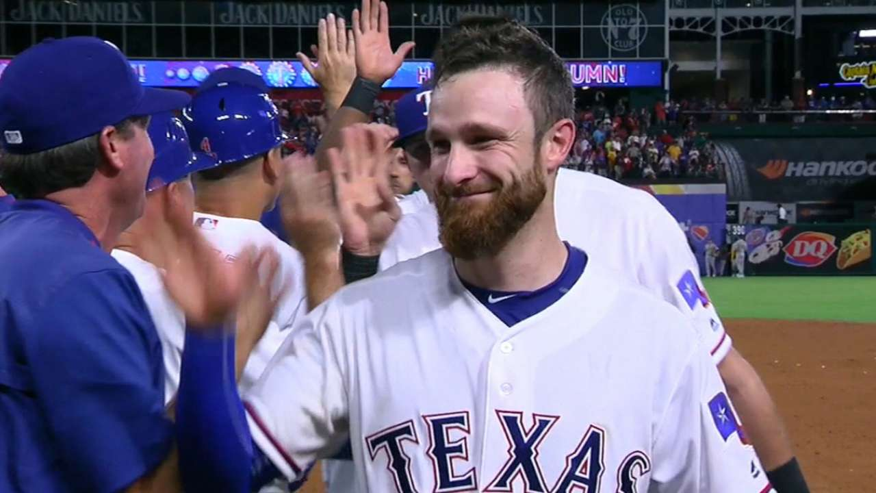 Lucroy to catch for Team USA in World Baseball Classic