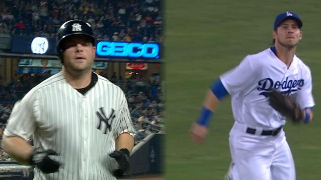 Astros add McCann, Reddick